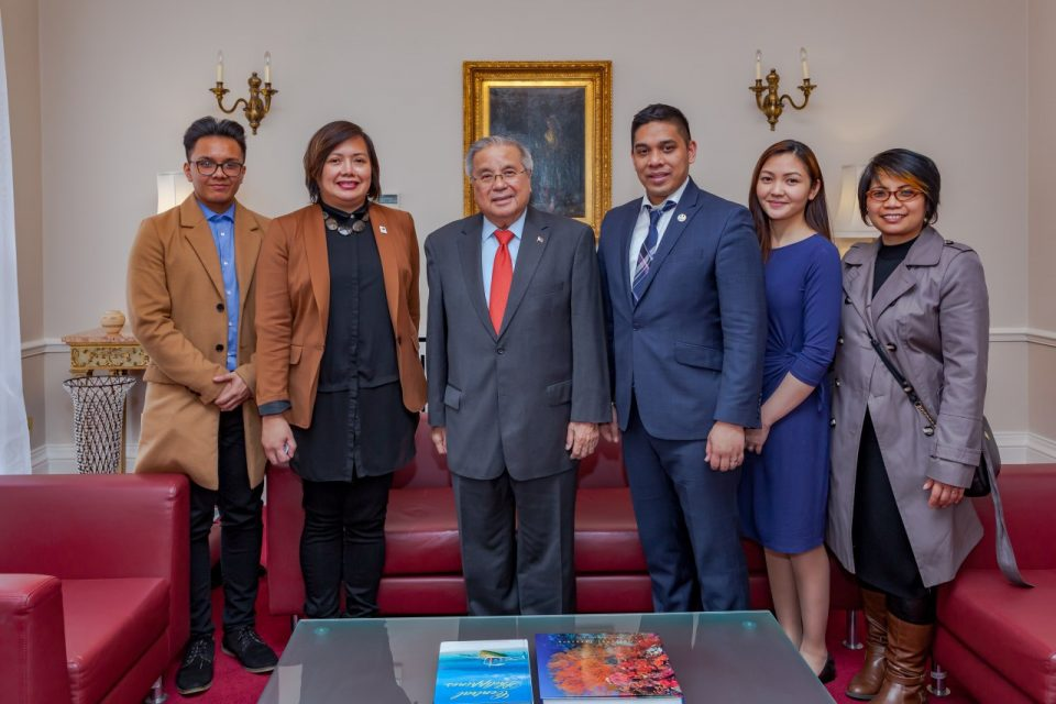 Eagle Broadcasting Corporation bureau in London makes a courtesy call to Philippine Ambassador Anton Lagdameo and other officials of the Philippine embassy in London.